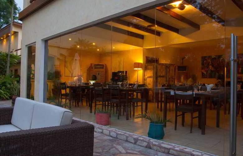 La Villa Boutique Hotel - Restaurant - 3
