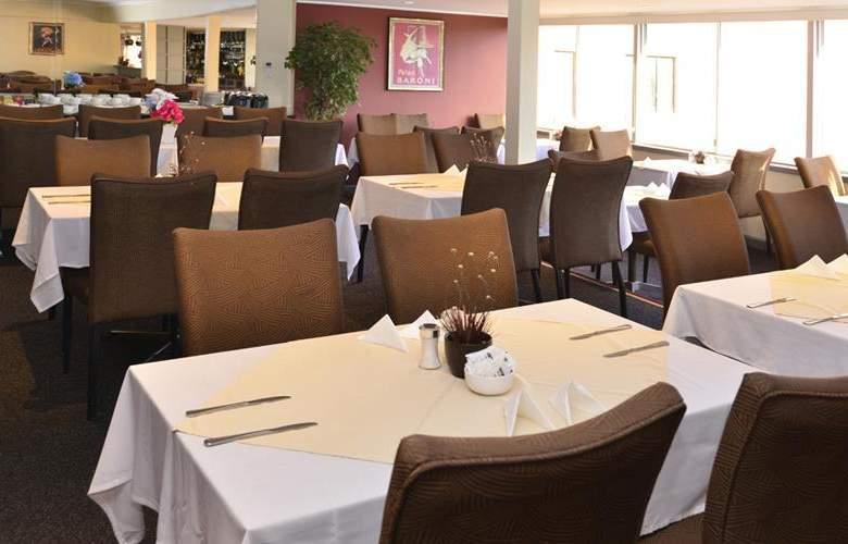 Best Western Twin Towers Inn - Restaurant - 34