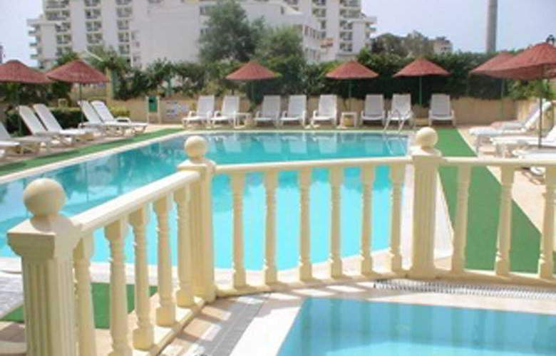 Sultan Apartment - Pool - 5