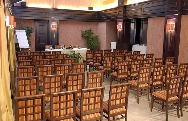 Granada Center - Conference - 14