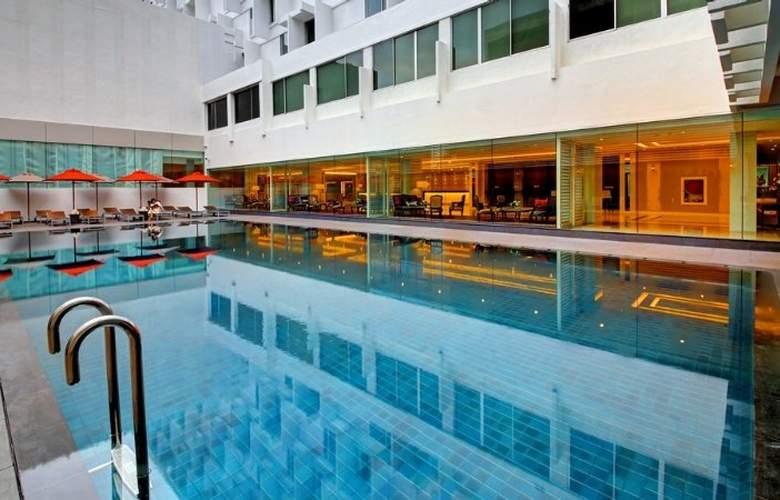 Mandarin - Pool - 4