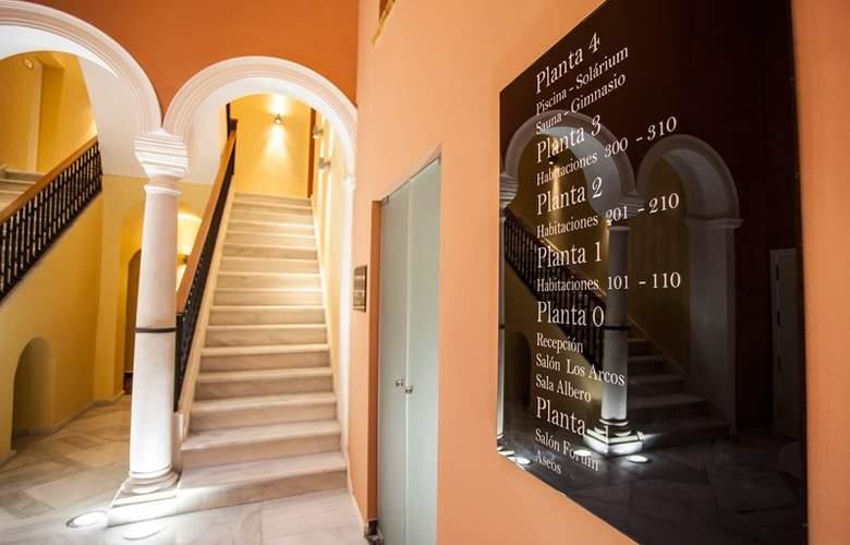 Eurostars Asta Regia - Hotel - 9