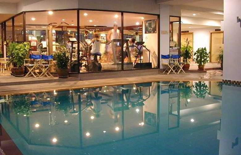 Taipan Hotel - Pool - 8