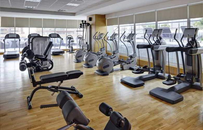 Movenpick Hotel Jumeirah Lakes Towers - Sport - 5