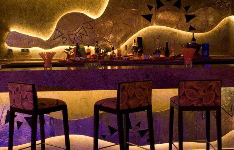 Sandos Monaco Beach Hotel and Spa - Bar - 4