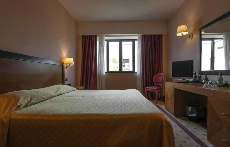Grand Hotel La Chiusa Di Chietri - Room - 9