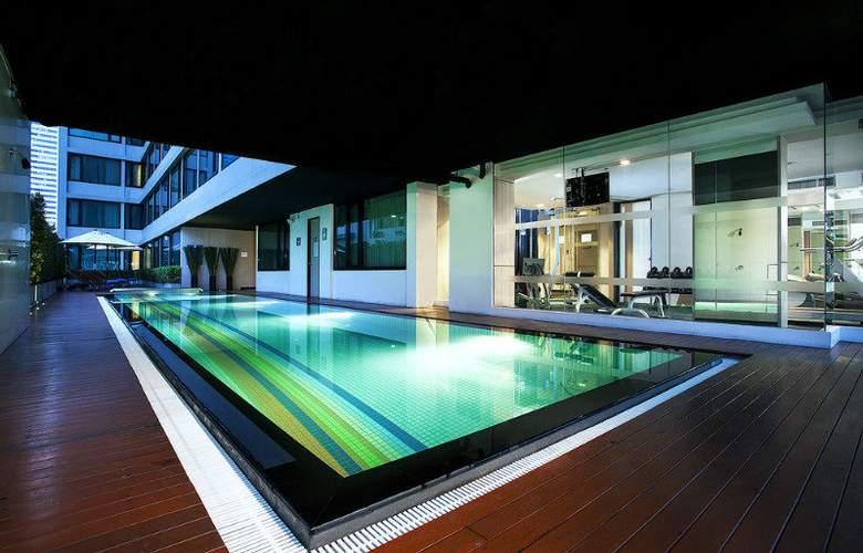 Vic3 Bangkok - Pool - 11