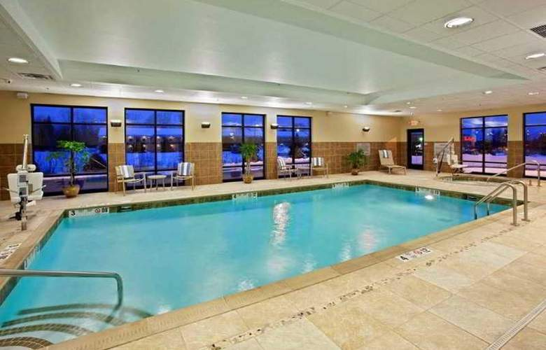 Hampton Inn Brockport - Pool - 2