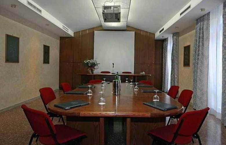 Nova Domus Hotel & Suites - Conference - 8