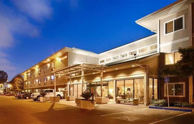 Best Western Plus Bayside Hotel - Hotel - 19