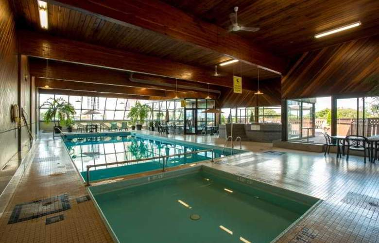 Atlantica Halifax - Pool - 6