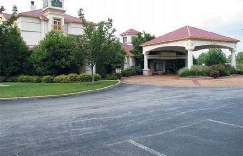 La Quinta Inn & Suites St Louis / Westport - General - 2