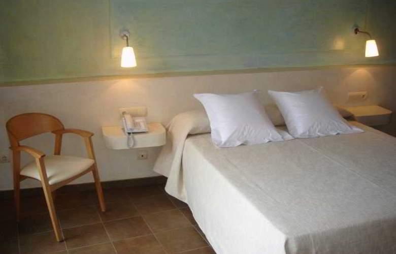 Carmen - Room - 6