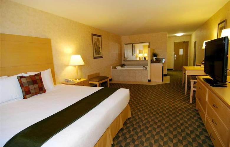 North Las Vegas Inn & Suites - Pool - 57