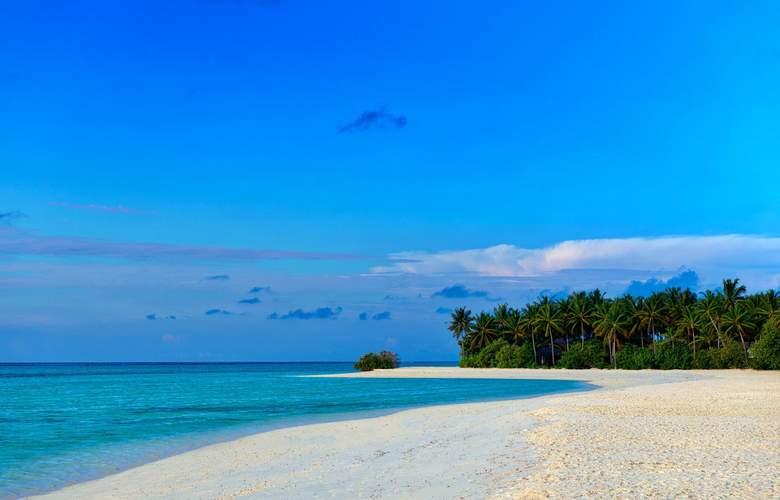 Cocoon Maldives Resort - Beach - 24