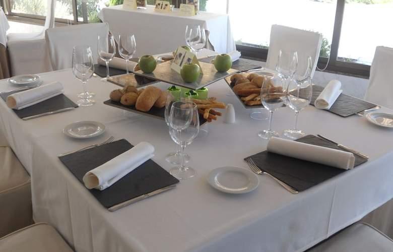 Santiago Apostol - Restaurant - 5