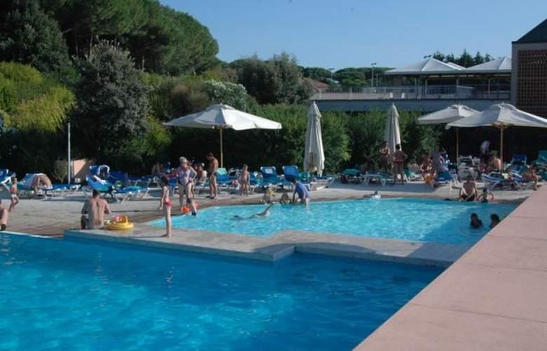 Garden Club Toscana - Pool - 19