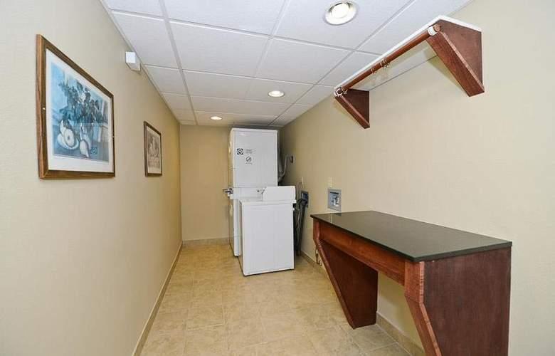 Best Western Plus Prairie Inn - Hotel - 3