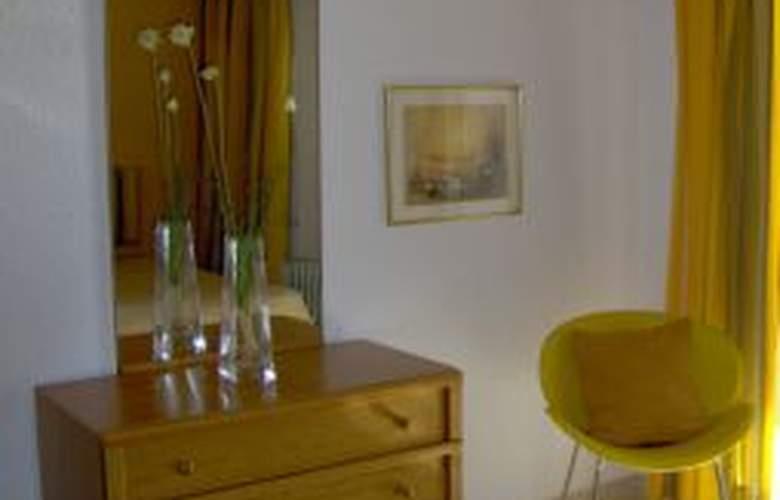 Quarteira Mar - Room - 1
