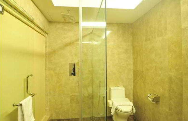 Hallmark Crown Hotel - Room - 14