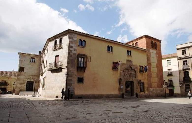 Palacio de Valderrabanos - Hotel - 0