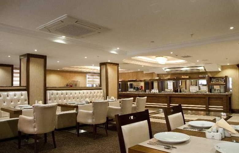 Tourist Hotel - Restaurant - 11