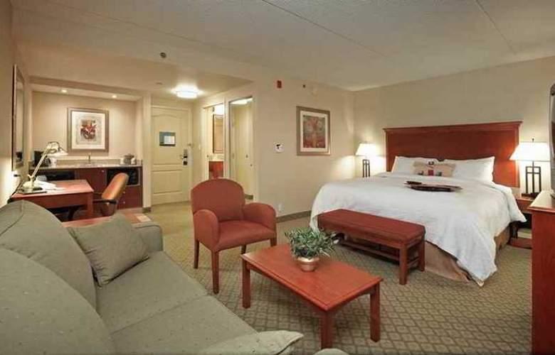 Hampton Inn & Suites by Hilton Kitchener - Hotel - 10