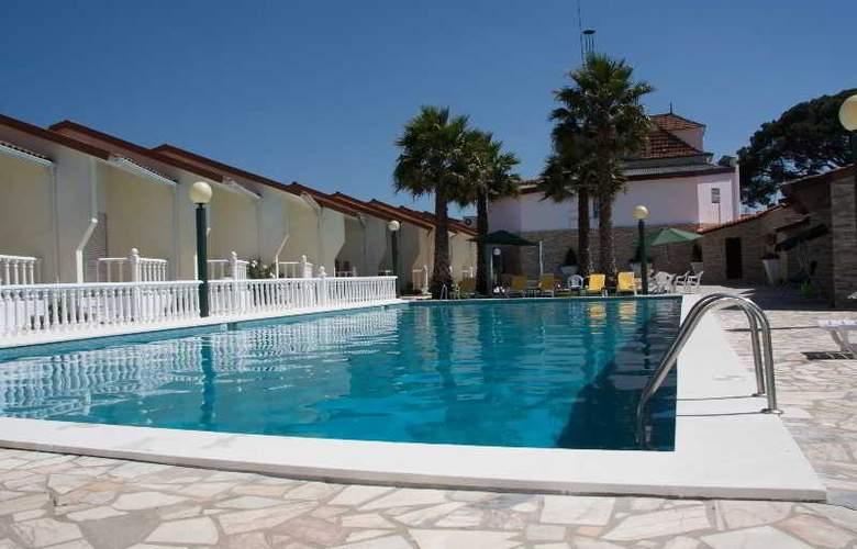 Quinta Tres Pinheiros - Pool - 5