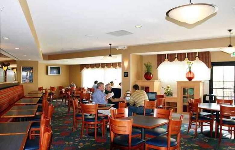 Hampton Inn Anaheim - Hotel - 8