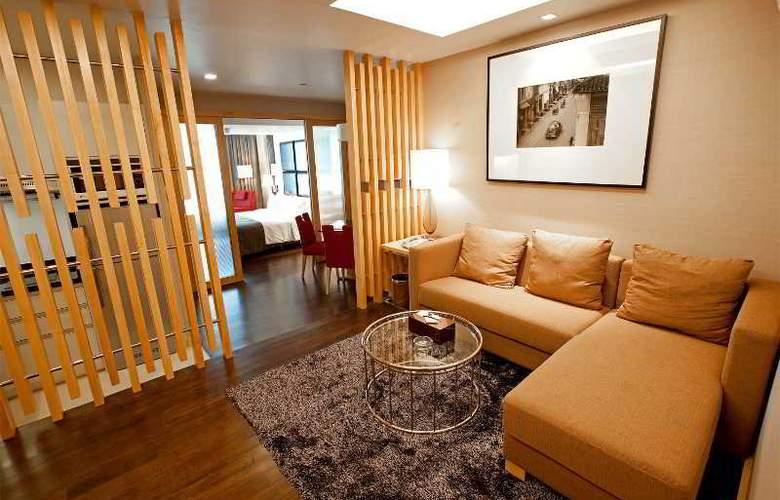 Ramada Hotel & Suites - Room - 10