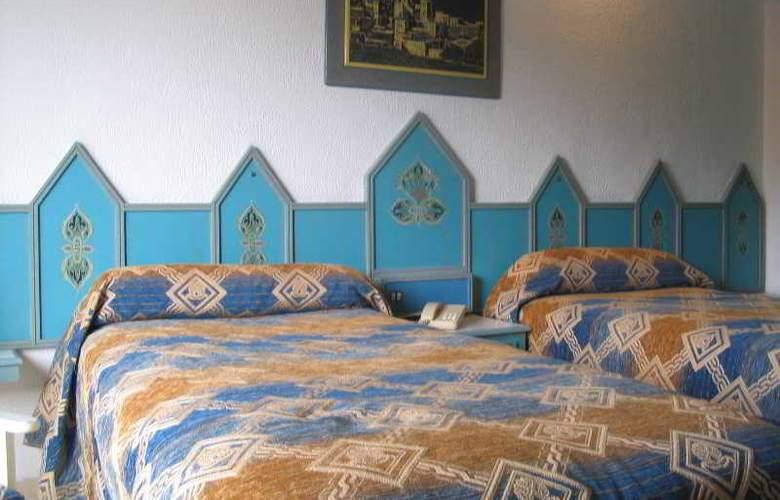 Amine - Room - 4