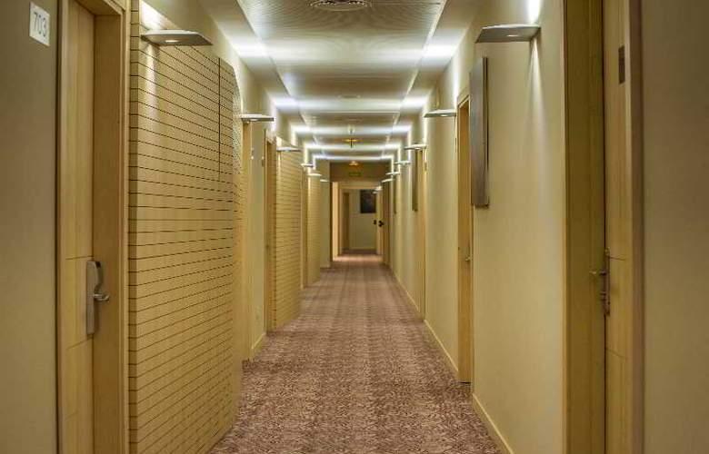 Paseo del Arte - Room - 18