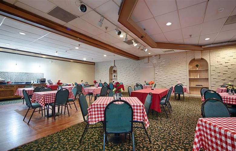 Best Western Albany Airport - Restaurant - 32