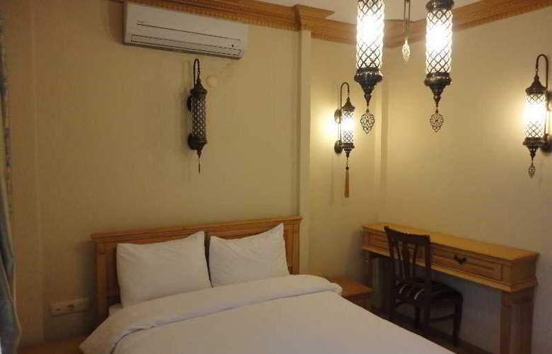 Sultan Corner Suites - Room - 1