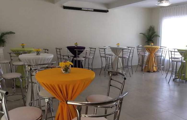 Hotel Hostal San Miguel - Conference - 17