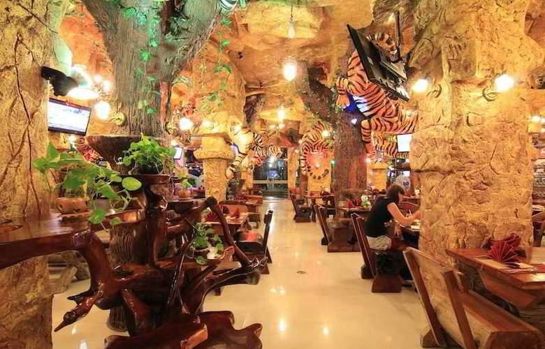 Tiger Hotel - Restaurant - 13