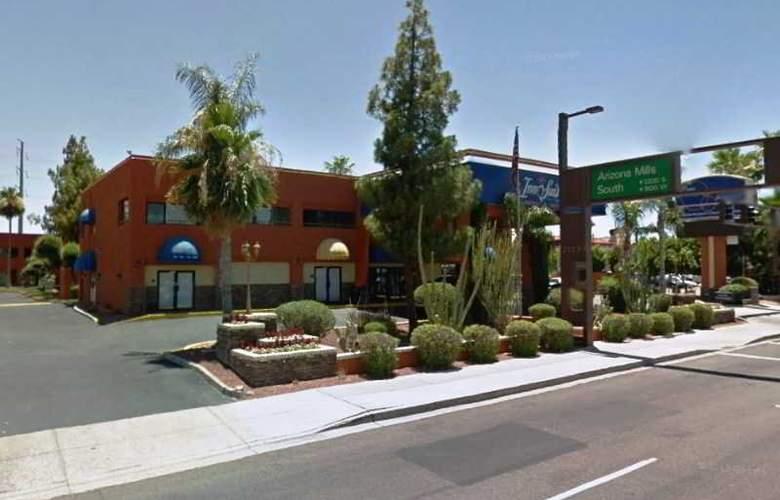 Tempe Phoenix Airport InnSuites - Hotel - 4