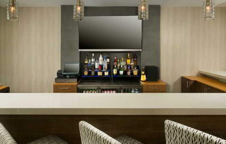 Holiday Inn Miami-Airport West Doral - Bar - 8