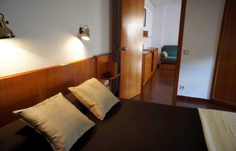 Cosmos Hotel - Room - 20
