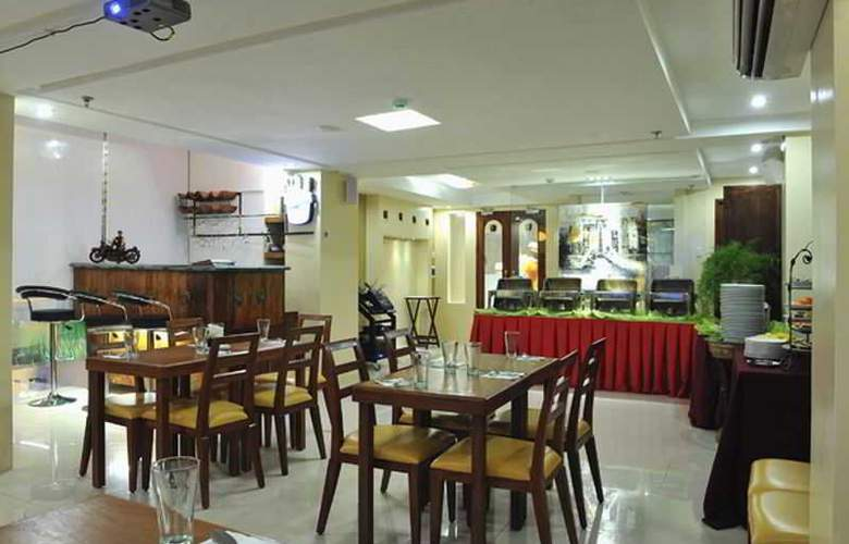 Wellcome Hotel - Restaurant - 22