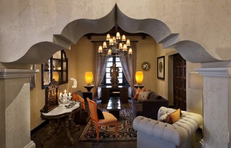 Mil Flores Luxury Design - General - 2