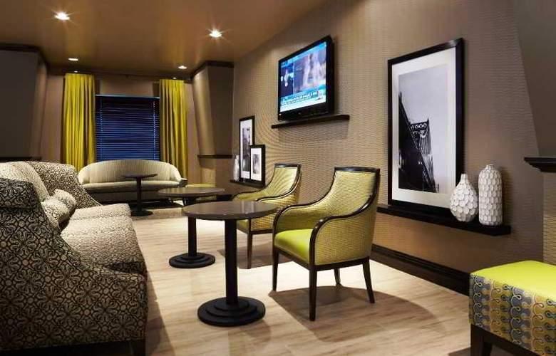 Hampton Inn & Suites Montreal - Hotel - 0