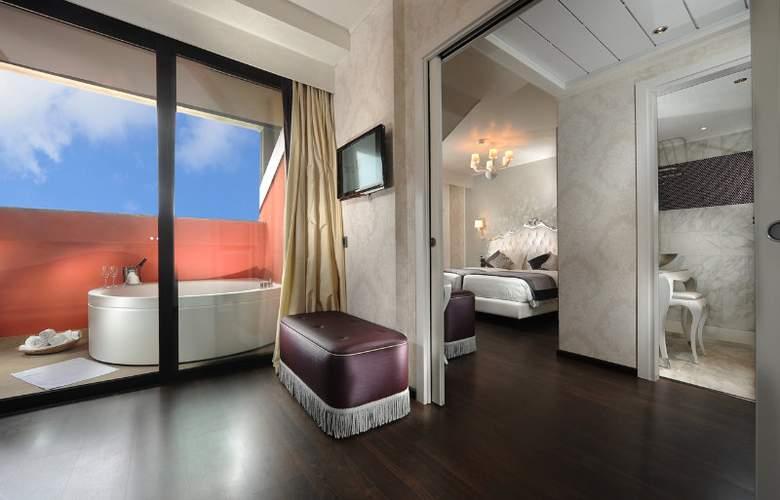Carnival Palace - Room - 8