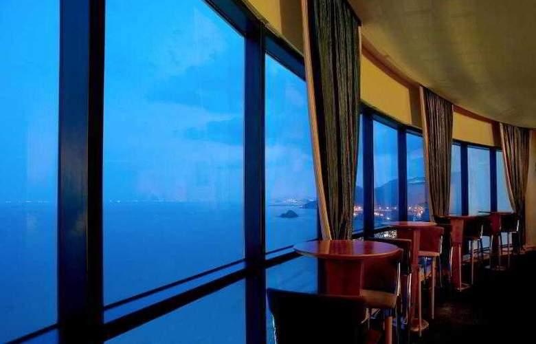 Le Meridien Al Aqah Beach Resort - Bar - 29