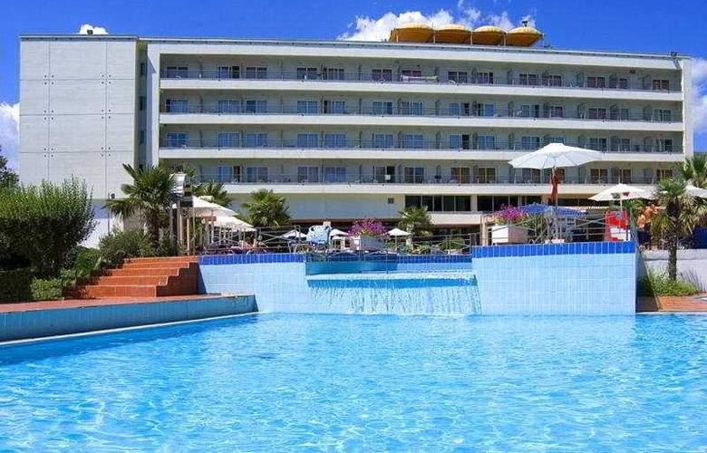 Olympian Bay - Hotel - 0