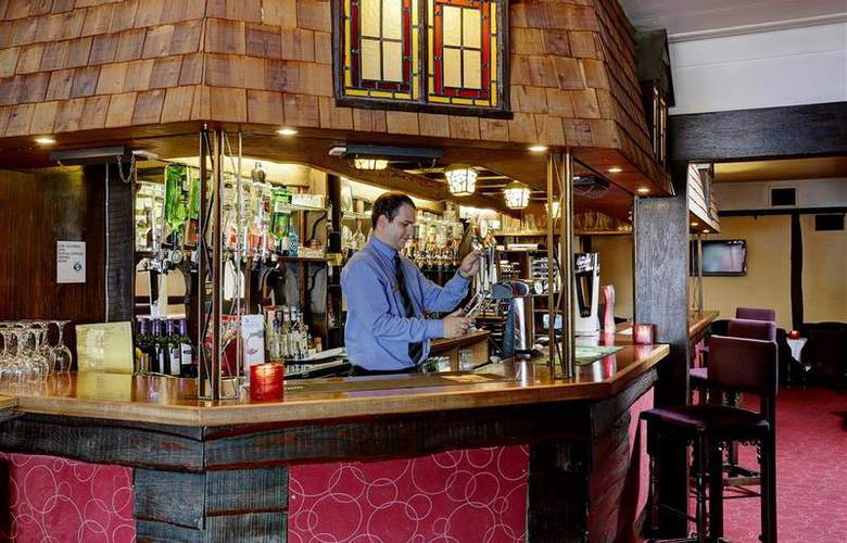 Best Western Beachcroft Hotel - Bar - 24