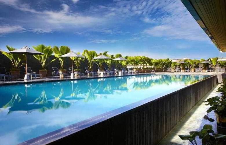Century Kuching Hotel - Pool - 40