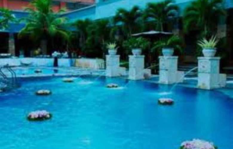 Ibis Pekanbaru - Pool - 8