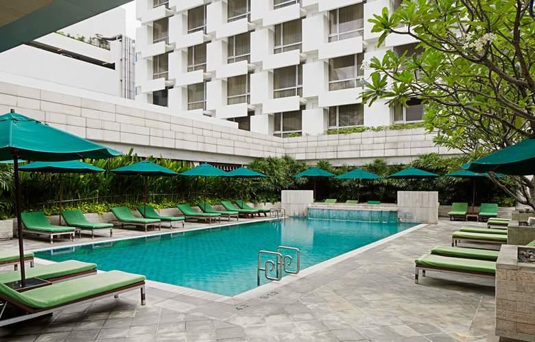 Holiday Inn Bangkok - Pool - 1