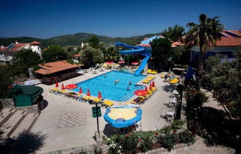 Ova Resort - Pool - 5